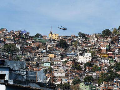 Seis maiores bilionários no Brasil têm a mesma riqueza que 100 milhões mais pobres