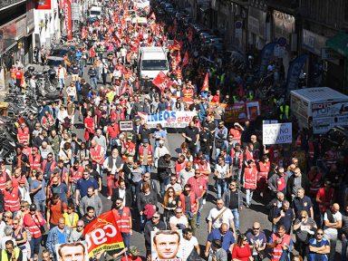 Franceses contra corte de direitos por lei de Macron