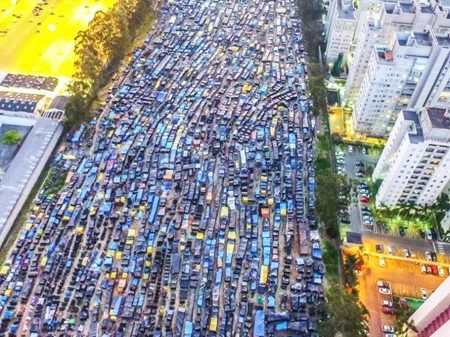 Sem moradia, 6 mil famílias acampam no ABC paulista