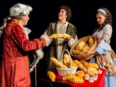 """""""Canção Dentro do Pão"""": peça garante boas risadas no Teatro Denoy de Oliveira"""