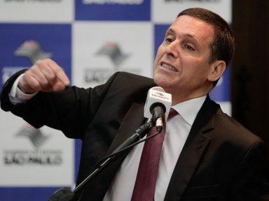 Capez rifa Alckmin em prol de Dória na rinha de tucanos