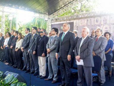 Com Paulo Câmara e João Vicente Goulart   Comissão da Verdade lança relatório em PE