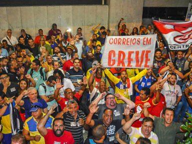 Com adesão de SP e RJ, greve dos Correios atinge todo o país
