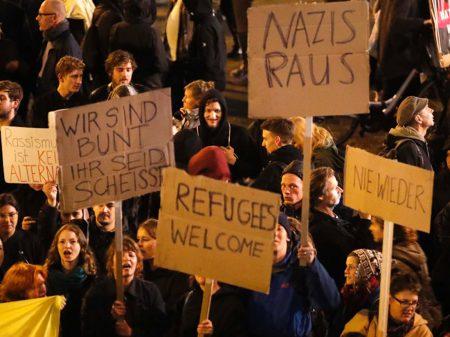 Alemães despacham nas urnas  'grande coalizão' de Merkel e SPD