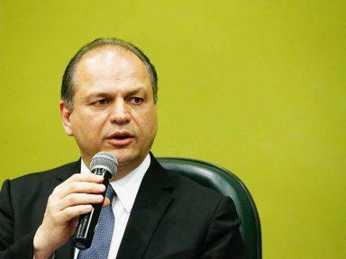 Ministro quer tirar Hemobrás e pôr privada suíça. Para MP é sabotagem