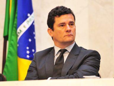 """""""A vergonha está do lado de quem é contra a Lava Jato"""", diz juiz Moro"""