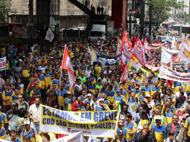 Correios nas ruas denunciam arrocho e desmonte da estatal