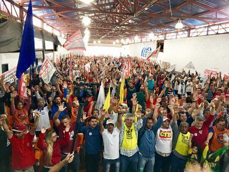 Plenária sindical amplia força para barrar cortes trabalhistas