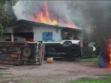 Garimpeiros incendeiam sedes e veículos de órgãos ambientais no Amazonas