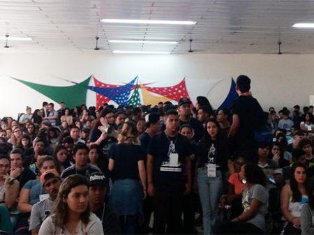 """RS: Estudantes realizam congressos da UGES e UMESPA: """"Ninguém mexe no meio-passe"""""""