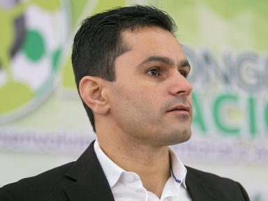 """""""Projeto de Richa acaba com direitos do funcionalismo e com investimento em educação e saúde"""", diz Pacheco"""