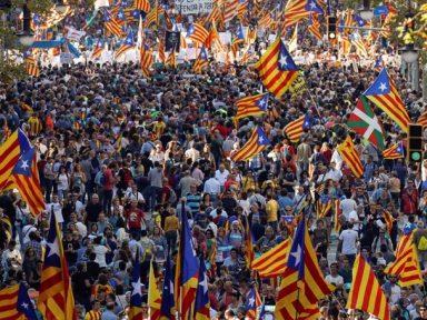 450 mil repelem nas ruas de Barcelona investida de Rajoy contra a Catalunha