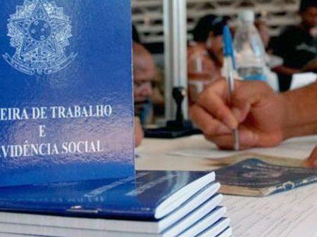 Em 12 meses, Brasil perdeu mais 466 mil empregos, diz Caged