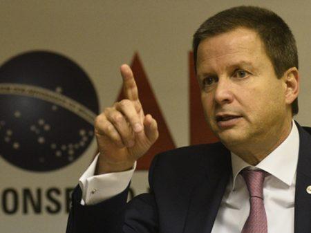 """OAB cobra do Senado posição """"sobre os fatos que Aécio se envolveu"""""""