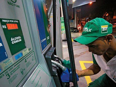 Gasolina sobe pela oitava vez seguida