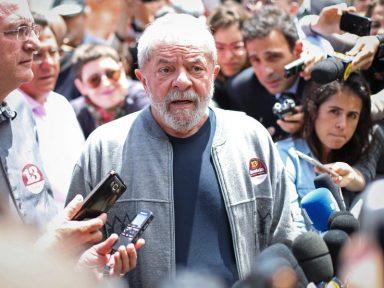 "Lula repreende quem fala ""Fora Temer"""