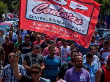 GM: Metalúrgicos de S. J dos Campos rejeitam acordo sem aumento real e que corta direitos