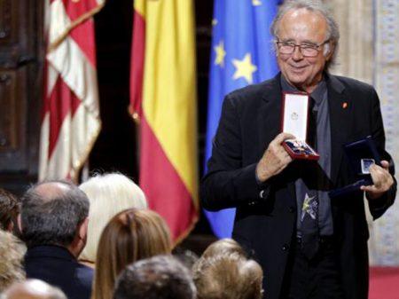 """Joan Manuel Serrat: """"governo espanhol  deve conversar com as forças catalãs"""""""