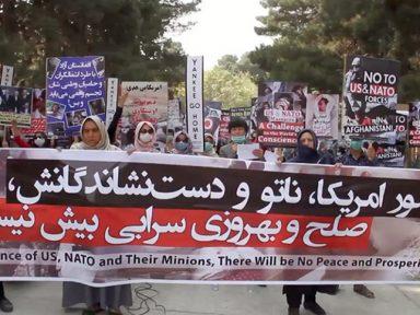 """Afegãos alertam americanos: """"invasores não terão descanso"""""""