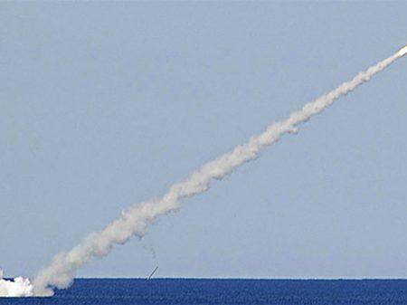 """""""Rússia não aceitará as manobras americanas para entorpecer a luta contra o terrorismo"""", afirma Lavrov"""