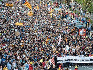 Catalunha faz greve geral contra repressão de Rajoy ao plebiscito
