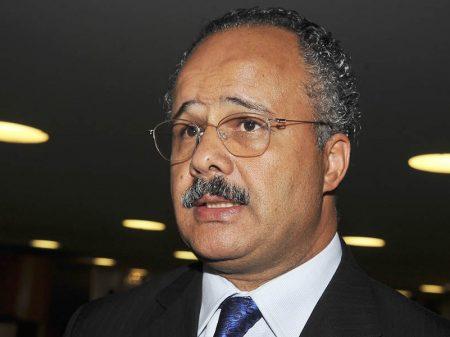 Fundo eleitoral dos propineiros tirou da Saúde R$ 70 milhões