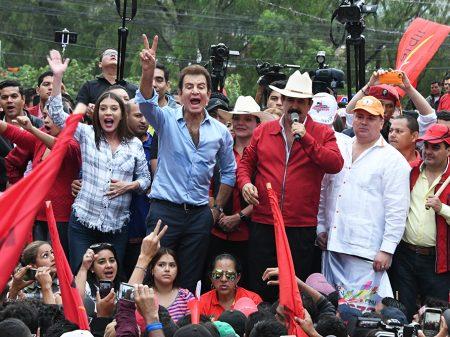 Honduras: Oposição com Zelaya sai na frente nas eleições