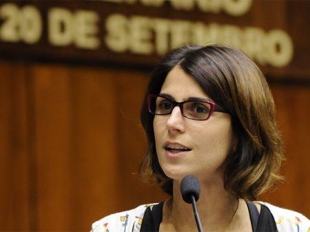 PCdoB apresenta Manuela D'Ávila como pré-candidata à Presidência