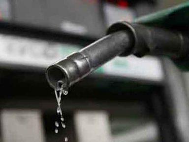 Gasolina sobe pela 7ª vez só em novembro