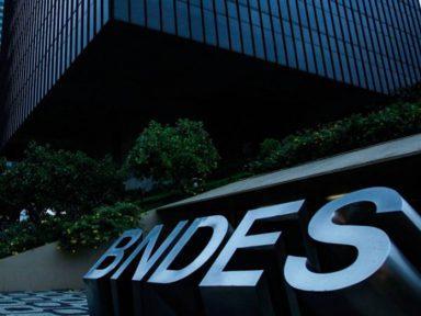 Desembolso do BNDES para indústria cai 49%