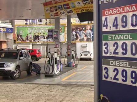 Preço da gasolina gera protesto em Goiás