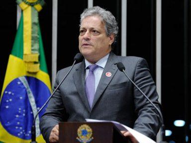 João Vicente Goulart: É uma canalhice entregar a Eletrobrás