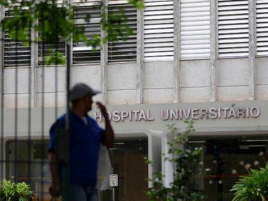 Sem funcionários, pediatria do HU-USP fecha as portas