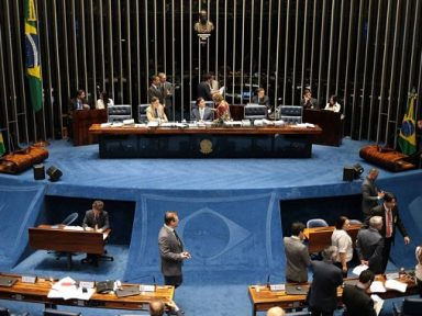 200 emendas podem modificar MP que congela reajustes