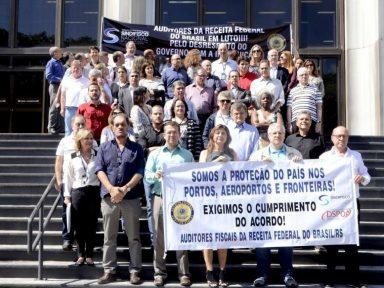 Greve dos auditores fiscais paralisa Porto