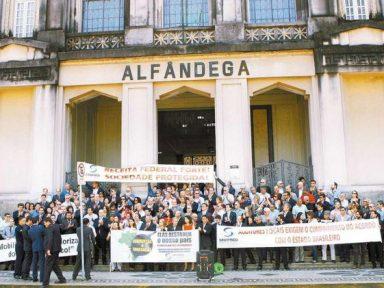 Servidores em greve: auditores fiscais da Receita param contra calote do governo