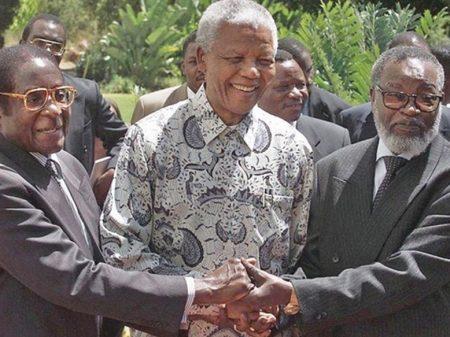 EUA e Inglaterra fomentaram o golpe contra Mugabe