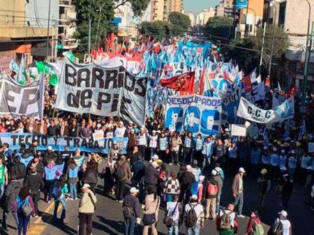 """Argentinos exigem medidas de """"emergência  alimentar"""" contra a fome"""
