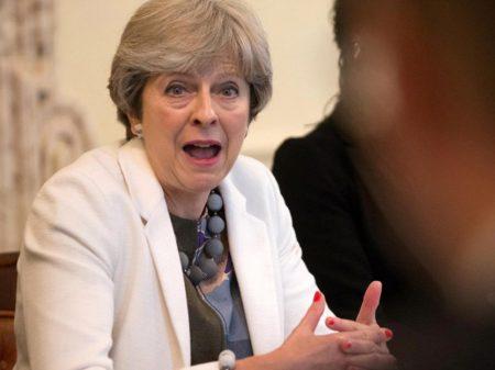 Investigação sobre corrupção eleitoral bate à porta do governo inglês