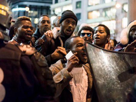 Destruída pelos EUA, Líbia vê surgir o tráfico de escravos