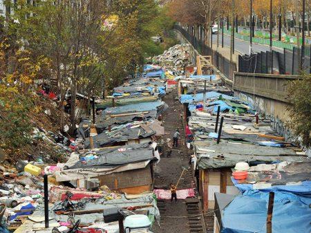 Favelas voltam a proliferar  na França, inclusive em Paris