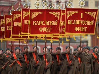 Praça Vermelha revive desfile de 1941