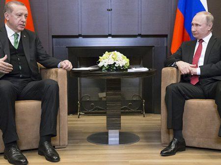 """Putin: """"esforços da Rússia, Turquia e Irã reduzem violência na Síria"""""""