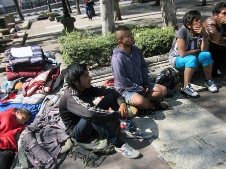 7 mil nas ruas da Cidade do México em condições desumanas