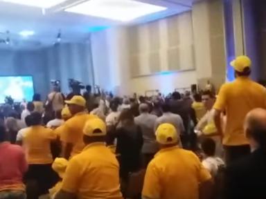 Vaias e cadeiradas na convenção do PSDB