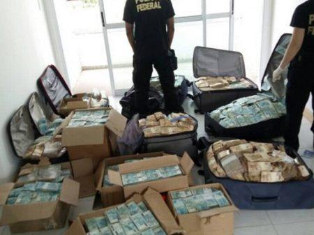 PGR acusa Geddel por lavagem de dinheiro