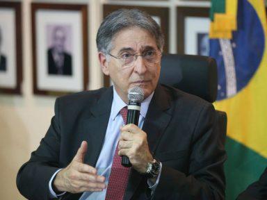 Ministros do STJ aceitam unânimes a denúncia do MP contra Pimentel