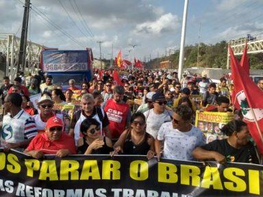 Servidores aderem à greve se governo votar Previdência