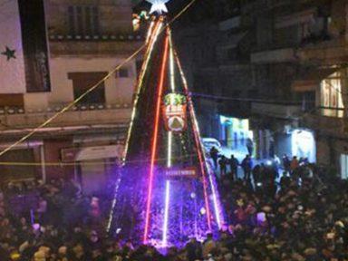 Alepo: Árvore de Natal celebra um ano da expulsão de terroristas