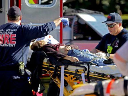 'Doença americana': ex-aluno mata 17 em escola da Flórida
